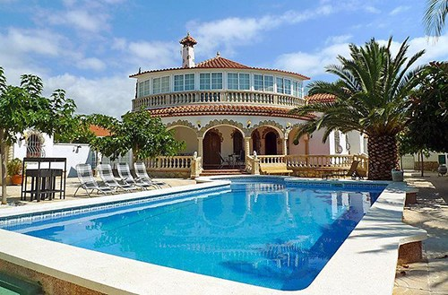 See holiday homes in Spain